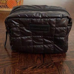 Elizabeth Arden pillow bag